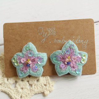 Qy' s  hand embroidered floral earrings   water and lavender earring