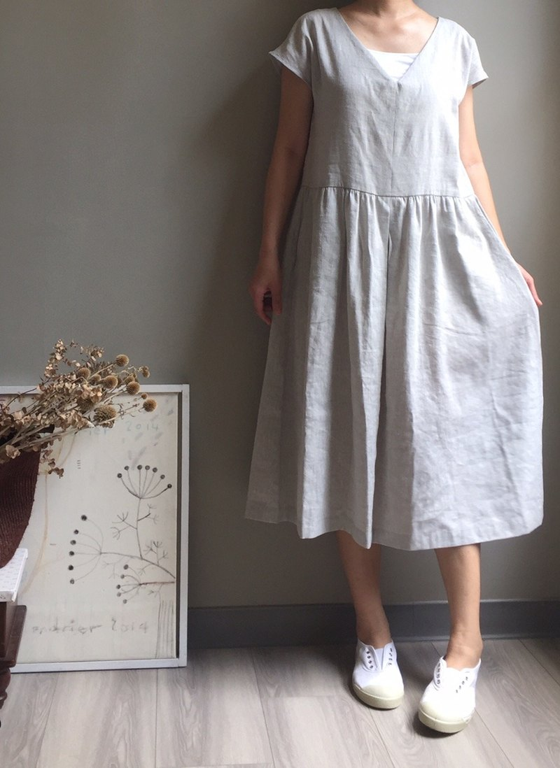 *Light Travel Slow*Elegant V-Neck French Sleeve Long Dress