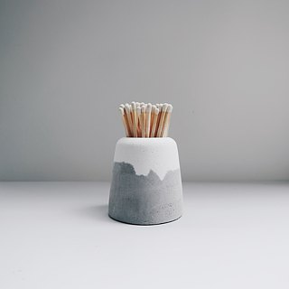 SNOW VOLCAN Grey & White concrete planter / pot (S)