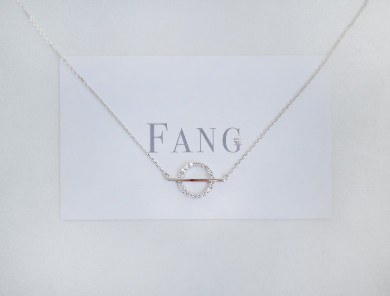 [Balanced Round Diamond Sterling Silver Necklace] 925silver