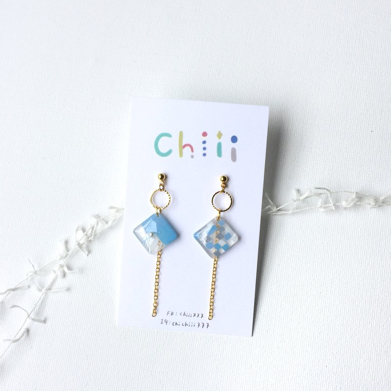 Gradient blue square clip / pin earrings