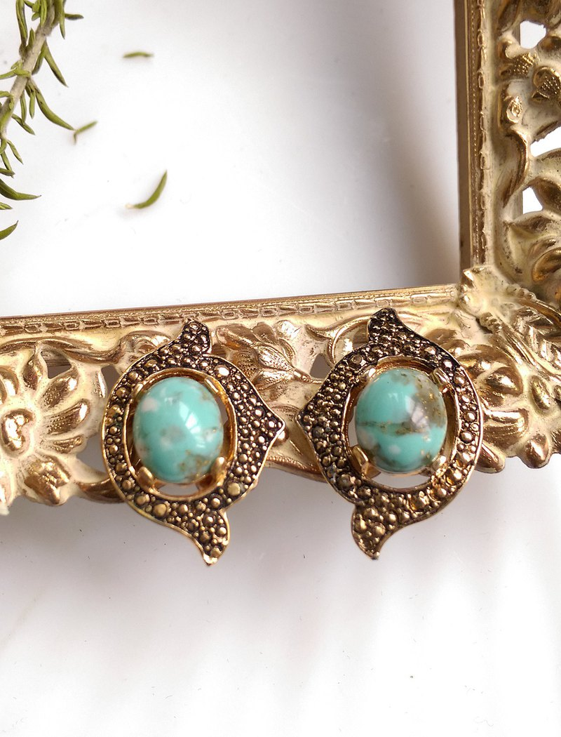 [Western antique jewelry / old age] SARAH COV Turkish blue gold clip earrings
