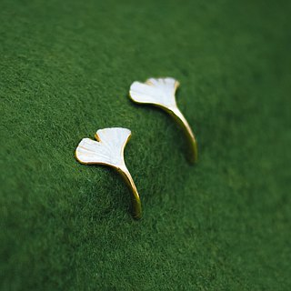 Gingko mini earrings - post earrings - Made in Japan - Gingko leaf - Autumn