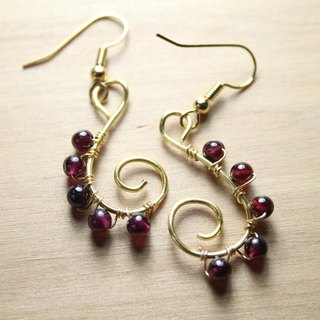 Wire garnet earrings can be clip-style rattan red fruit