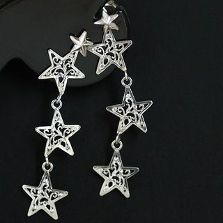 Triple star 2way earrings 【free shipping】 Versatile earrings which can be worn in different pierced earrings by removing the karasaka star
