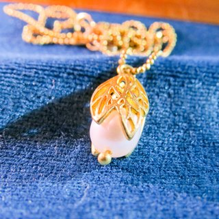 Wing Wing Hand-made jewelry, brass irregular blades carved pearl necklace