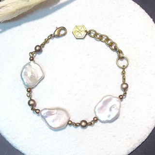 VIIART. Three goddesses of fate. Baroque pearl brass bracelet