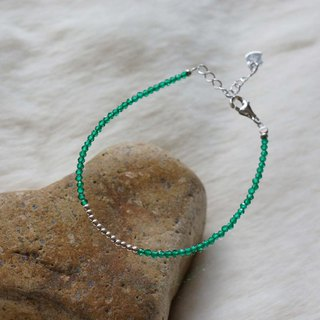 Green Corundum Silver 925 Bracelet with Linear Memory Alloy