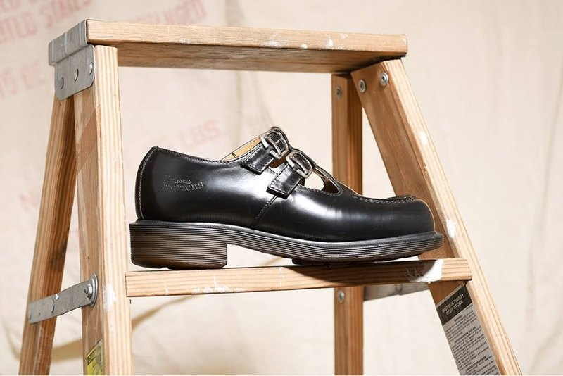 """Dr. Martens Shoes"" black thick leather dolls DMG06"
