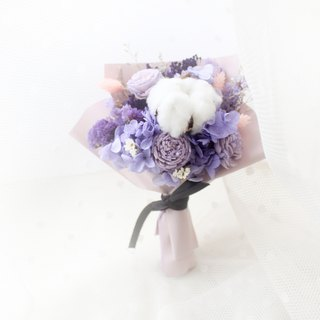 Psychedelic forest luminous table small bouquet · elegant purple classic dry flower ceremony