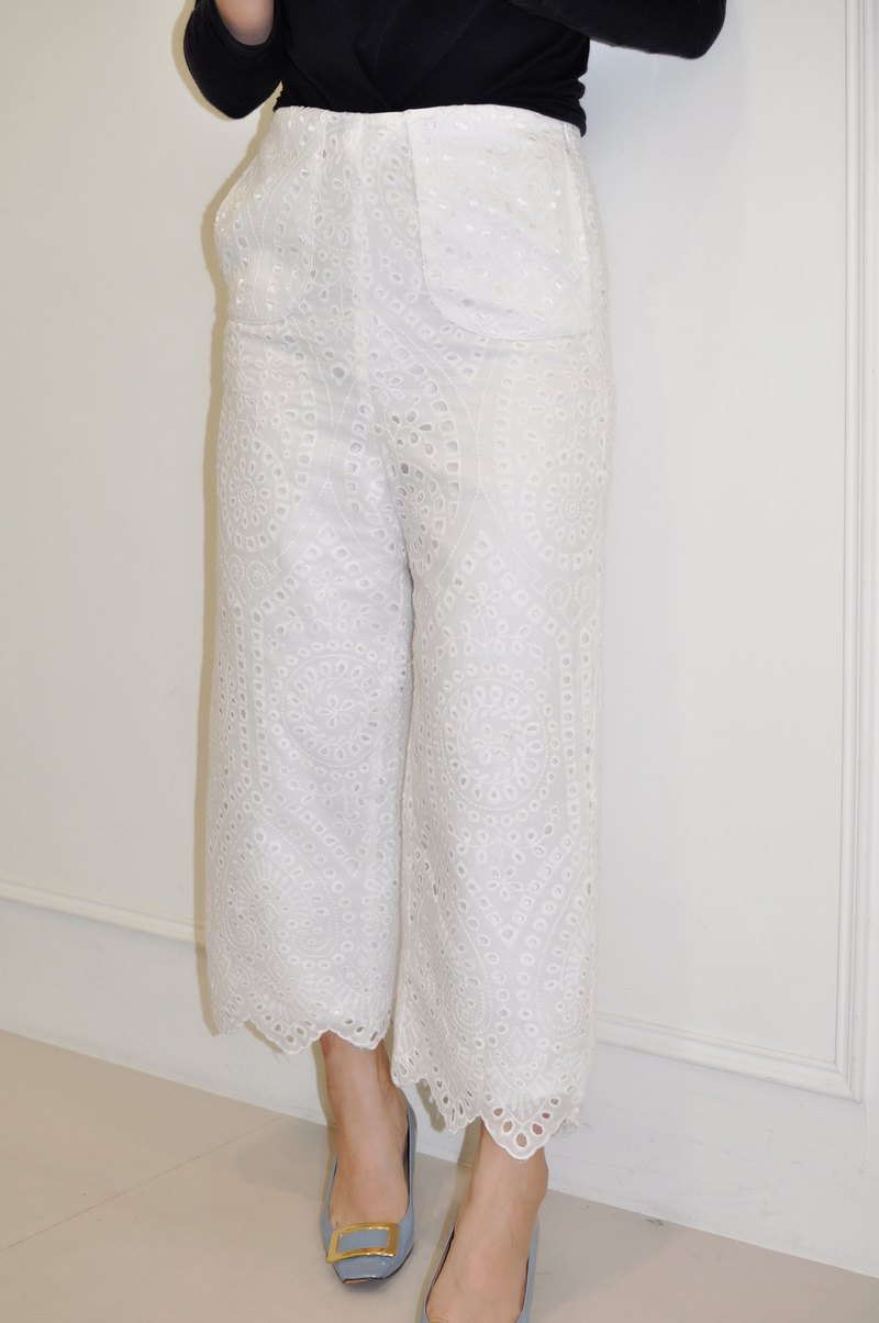 Flat 135 X Taiwanese designer white cotton embroidery embroidery fabric pants