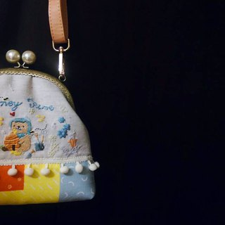 Hand-stitched embroidery*customized bag*gold bag