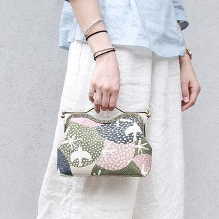 Retro handbag shoulder bag