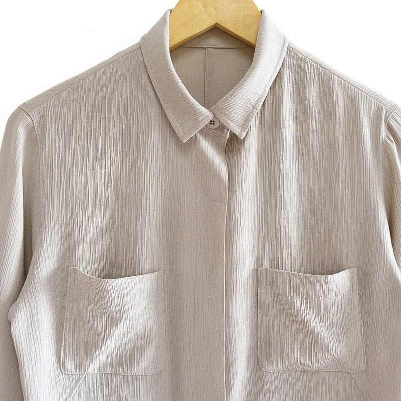 │Slowly│ Plain style. Linen gray-vintage shirt │vintage. Retro. Literature and art. Made in Japan