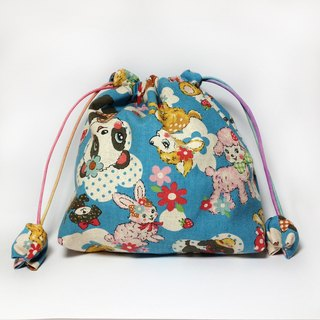 Japanese retro cartoon bear lattice bag pocket pocket pocket