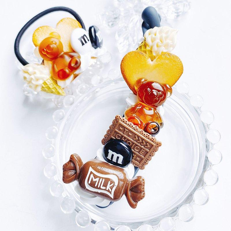 香蕉夾糖果和頭髮橡膠 2 件套巧克力糖果裝飾假糖果
