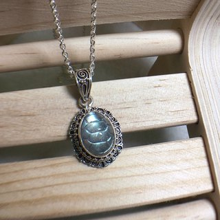 Labradorite pendant Special cutting stone Handmade in Neapl 92.5% Silver