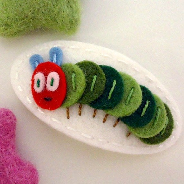UK may-crimson ® handmade wool felt hairpin - white caterpillar Ciel the Caterpillar-ecru