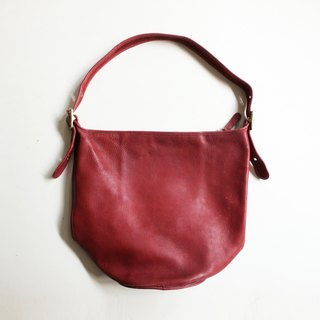A ROOM MODEL - VINTAGE, BA-0491 COACH big red shoulder bag