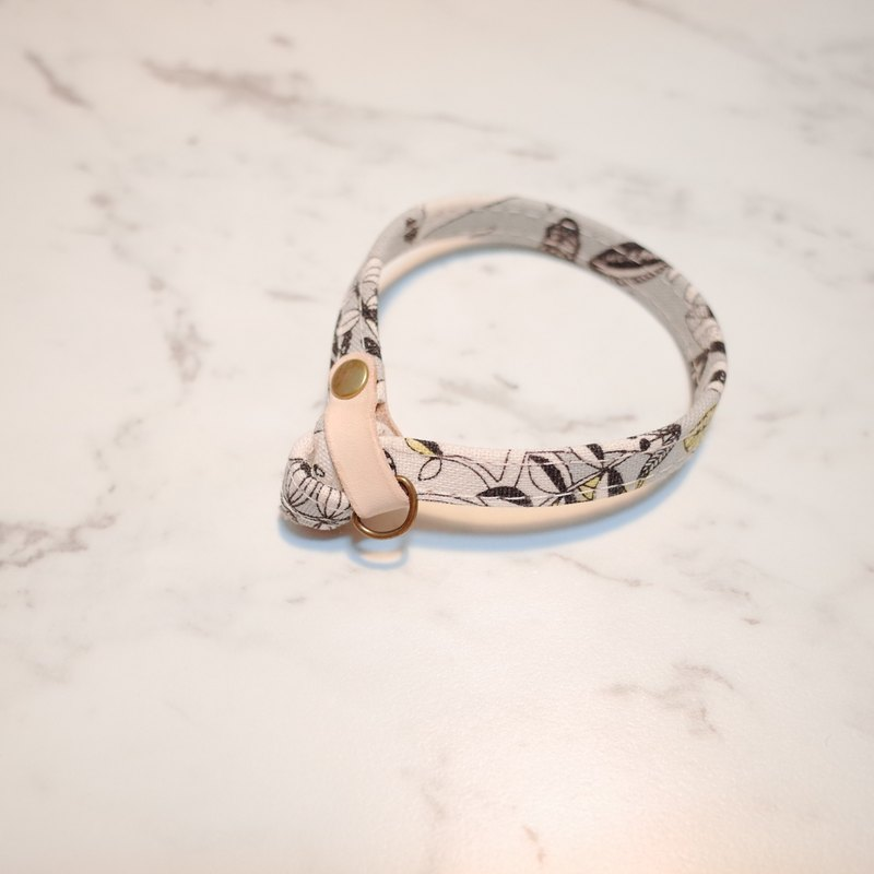 Cat Collar, Grey Forest & Animals_CCT090103
