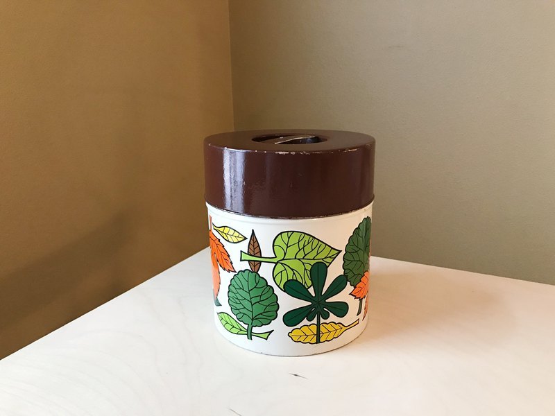 Early Japan / Leaf pattern metal box / tin can