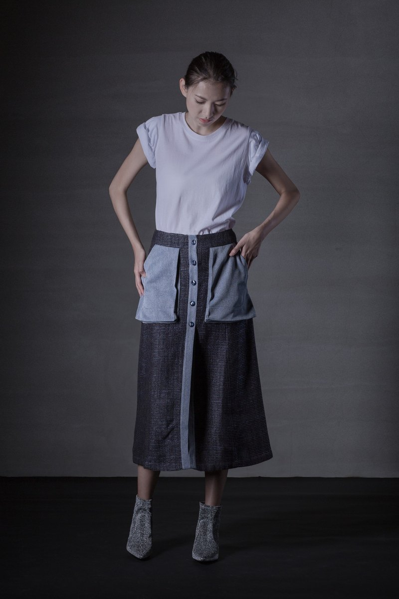 Long Cotton Blend Skirt with Pockets