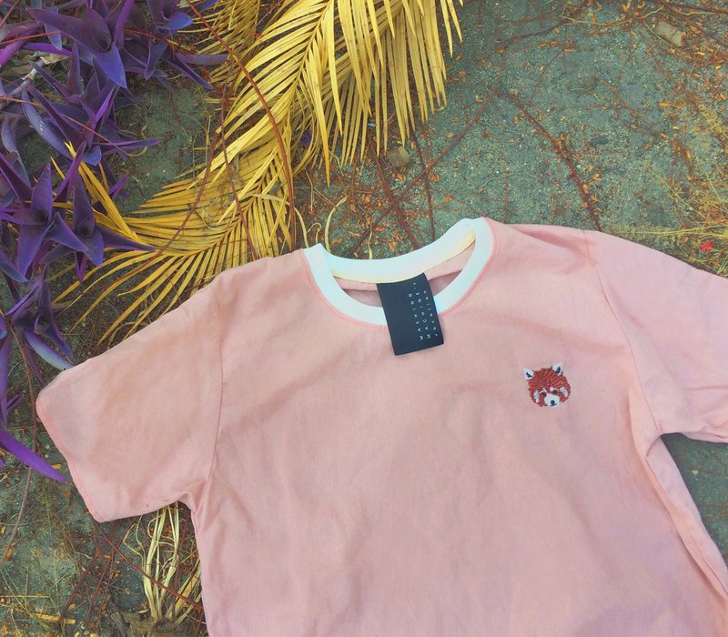 Red Panda - Embroidery / Vintage Pink  // Short sleeve Top / Shirt
