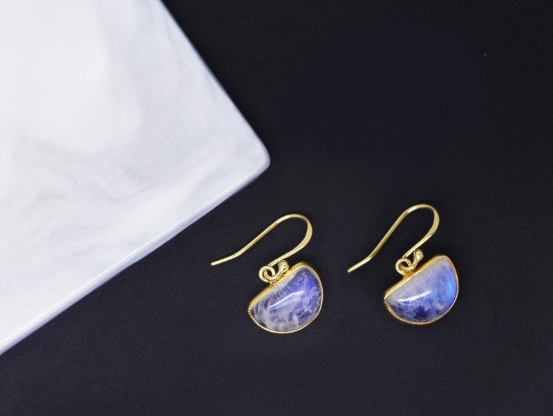 Edith & Jaz • Half Moon Shaped Rainbow Moon Stone Silver Earrings