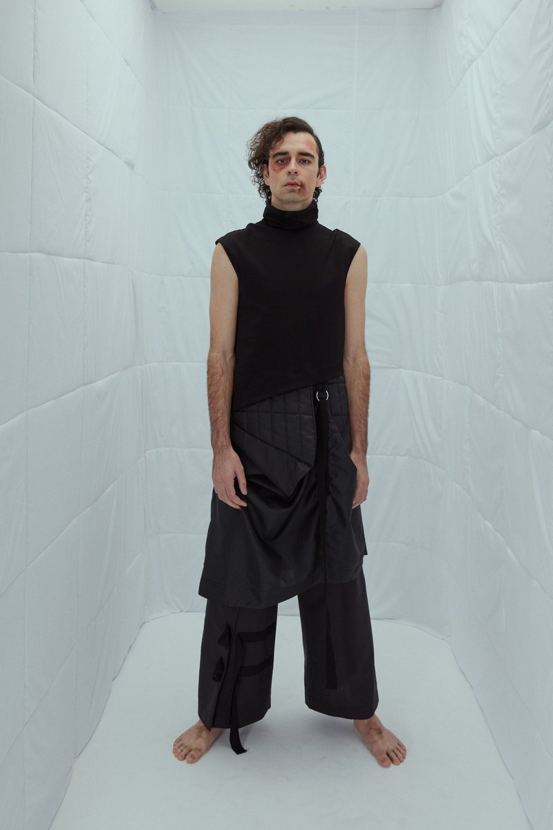 INF 18AW structural variant long vest