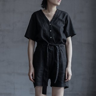 This issue of the favorite black linen Siamese shorts V-neck tie with long legs and less meat artifact manufacturing machine