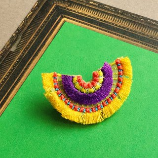 ARRO / Embroidery brooch / bloom / yellow