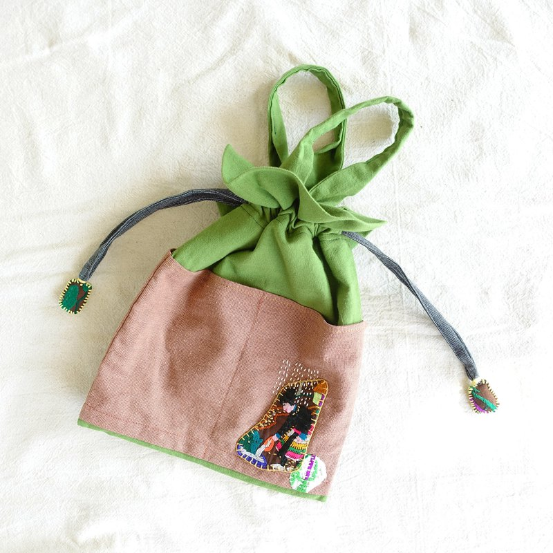 DUNIA handmade / farm beam bundle bag / Hmong embroidered handbag - feeding