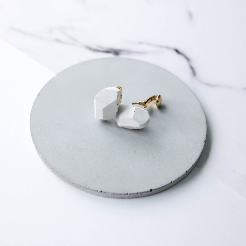 White Marble Pattern Concrete Crystal Rock Ear-clips