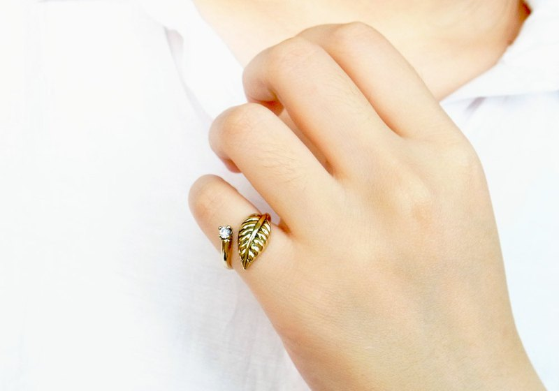Fern leaf crystal open ring anti-allergic copper