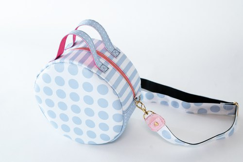 Inner fabric available for early discount selection until July 31 Original print Original handbag with shoulder belt Spotlight Cool gray Polka dot Border stripe