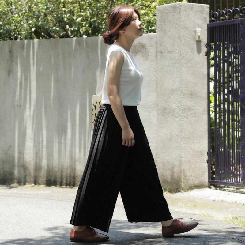親合 | Partial Affinities 黑色百褶九分寬褲