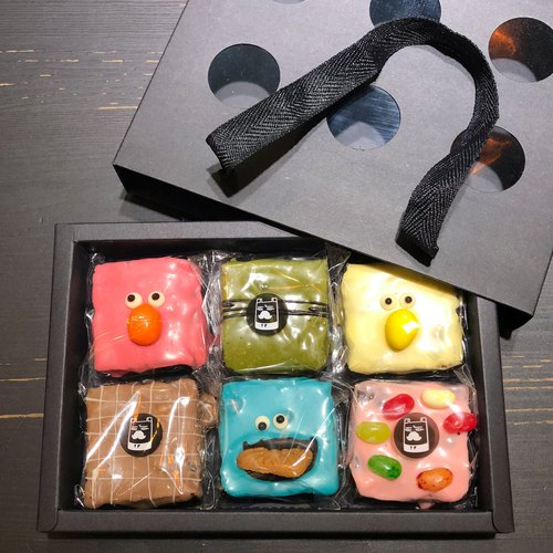 Brownie Monster 6 Into Gift Box - 3 Brownies Monsters + 3 Comprehensive Flavors Brownie
