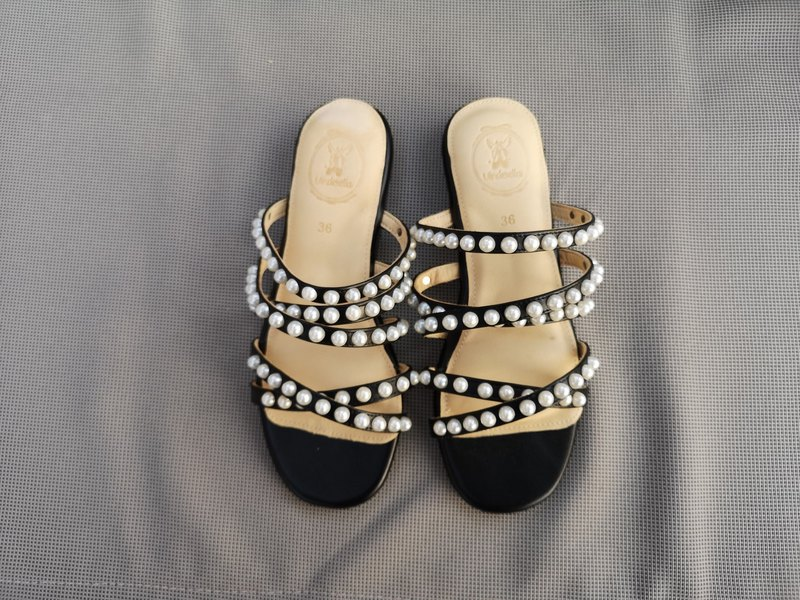 CLAIRE SANDAL ; Pearly Memory foam, 100% Genuine Leather
