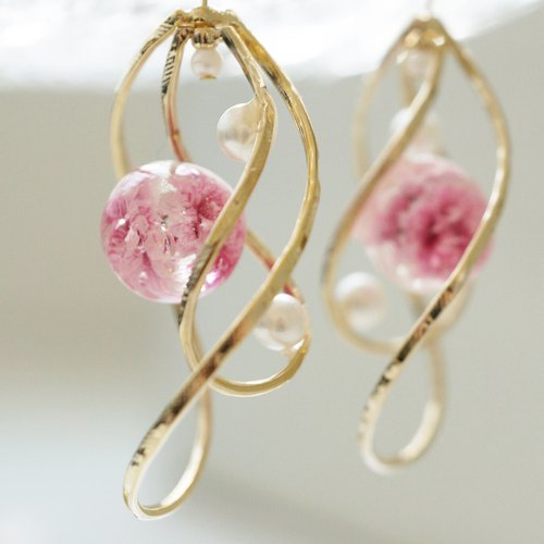 Twin ring of muffled grass and pearl earrings / earrings
