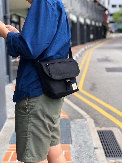 New Black Basic Messenger Canvas Bag / everyday bag / travel /weekend