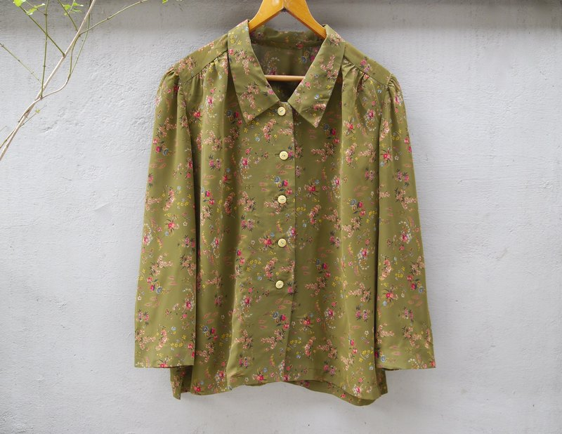 FOAK vintage rustic small floral green shirt