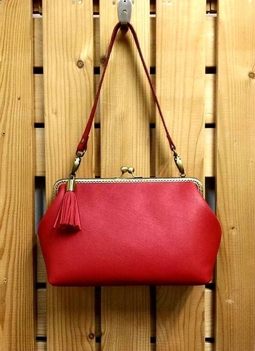【MY. Handmade] retro leather 25cm mouth gold handbag ~ red