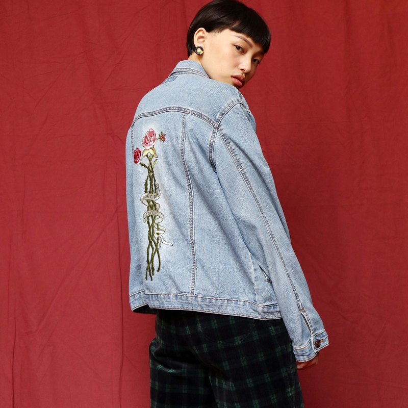 Pumpkin Vintage. Ancient rose embroidered denim jacket