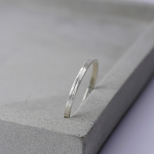 Heartstring - very fine tail line or 925 sterling silver hand chisel