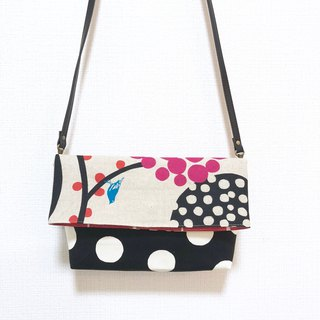 Long belt anti-folding cross-body bag - stitching Japanese imported flower cloth - black round + peach red round
