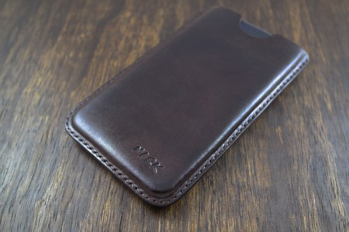 APEE leather handmade ~ plastic phone holster ~ plain chocolate ~ iphone X