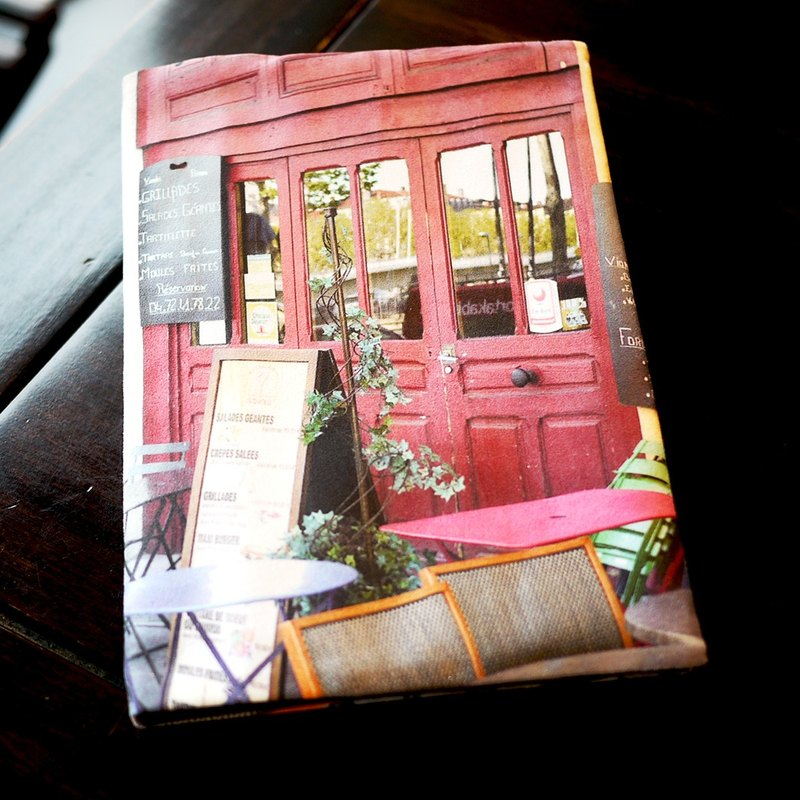 [Good] to travel book scenery clothes: purple colored cafe chairs with you