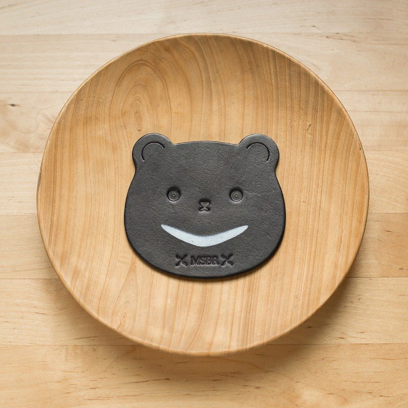 Black vegetable tanned coaster (Taiwan black bear)