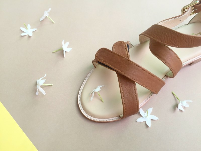 Line sandal (shoes)