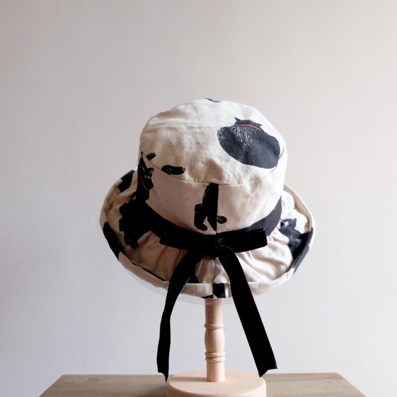Japanese-style curling fisherman hat / black cat girl